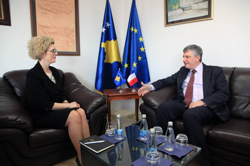 Minister Ahmetaj hosted in an introductory meeting the Ambassador of France to Kosovo, Didier CHABERT