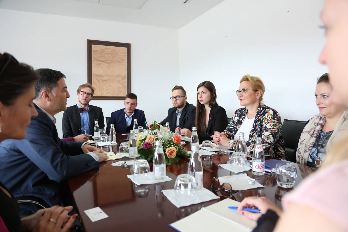 Deputy Minister Çelaj hosted in a meeting the Czech students: European Union should not make any further delays as regards the region's integration process