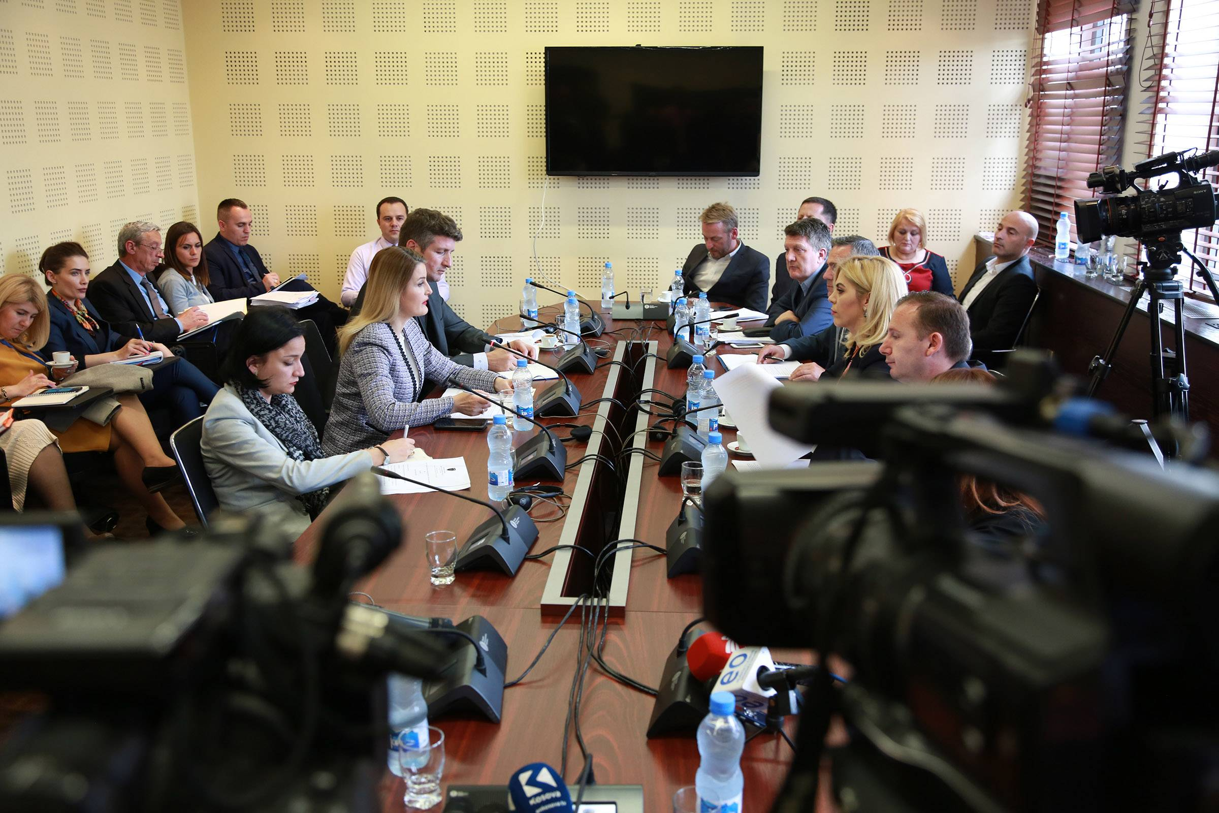Minister Hoxha at the Committee for European Integration: The country report is positive and evidences progress