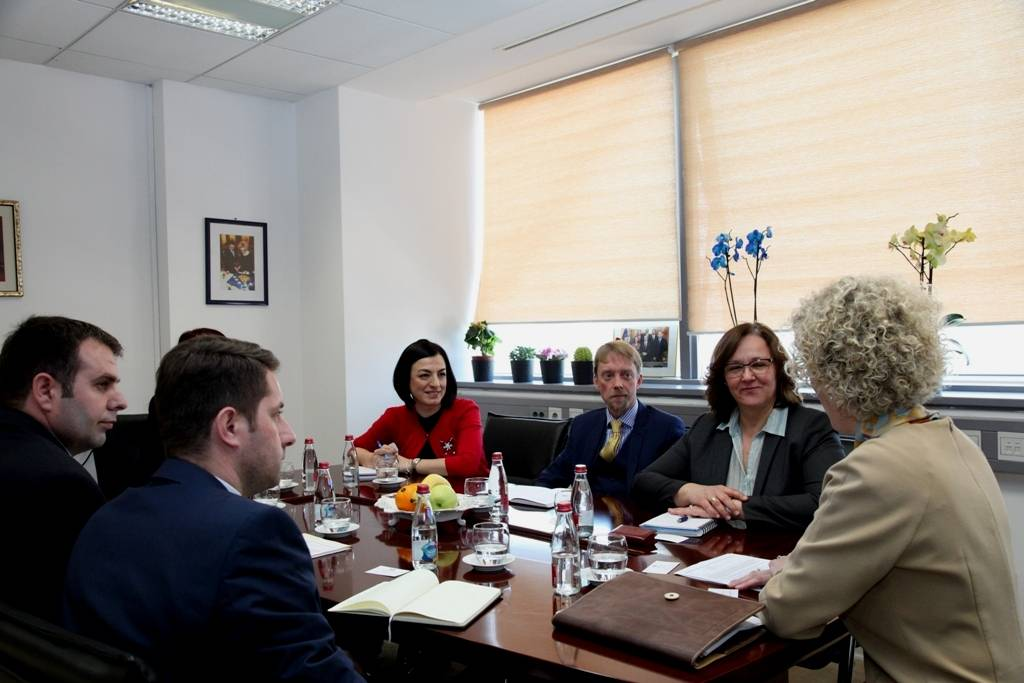 Minister Ahmetaj has received in a meeting the delegation of EBRD