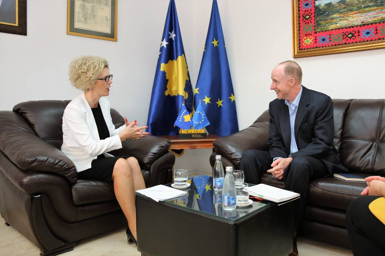 Minister Ahmetaj hosted today in a meeting the head of UNDP for Kosovo, Mr. Rusell